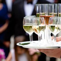 Quels sont les vins et champagnes incontournables pour un mariage ?