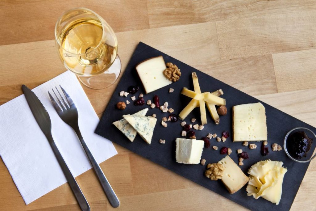 bar-a-fromages-1024x683.jpg